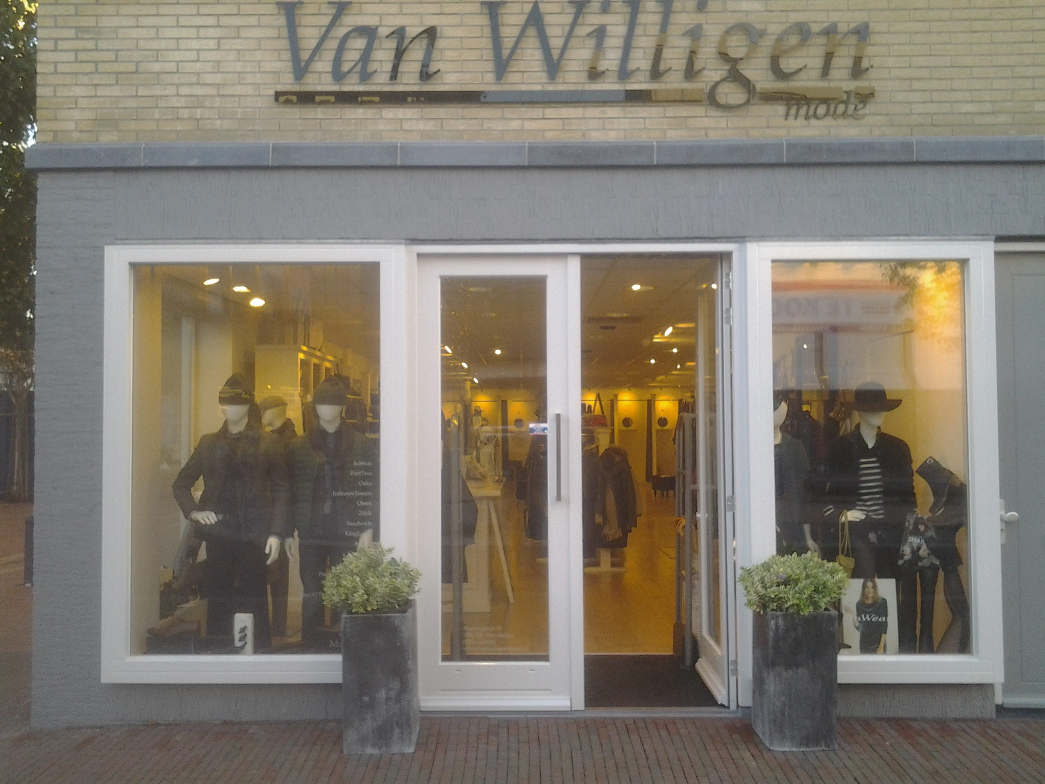 Van Willigen Mode | Beatrixstraat 56, 1781 EP Den Helder